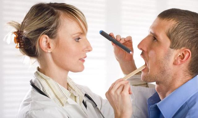 Слизь в горле: причини, лечение, как избавиться