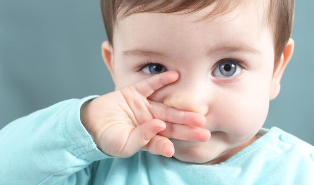 Корки в носу (корочки): причины и лечение