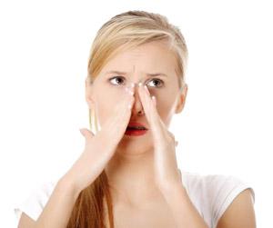 Козявки в носу: причини почему образуются, лечение